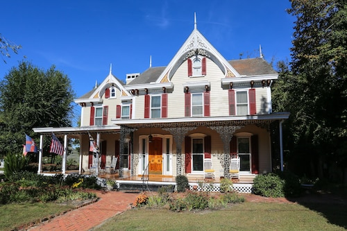 River House Inn Bed & Breakfast