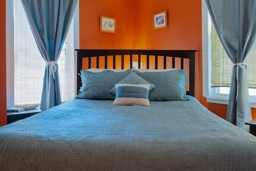 Great Place to stay Historic Dogtown Home, Perfect for Travel Staff! near St. Louis