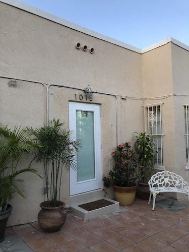 Rinconcito Little Havana 1 Bedroom w/ Private Entrance
