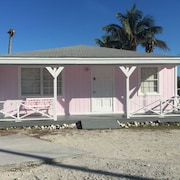 Cozy Seaside 2 Bed/2 Bath Cottage IN Alice Town, Bimini, Bahamas