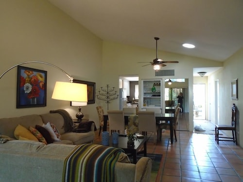 Great Place to stay Walking Distance to the Festivals! Coachella and Stagecoach-inside Indian Palms near Indio