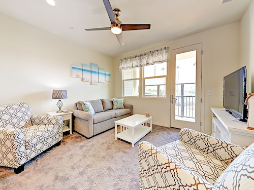 Brand-new 2br W/ Balcony, Near Beach 2 Bedroom Townhouse
