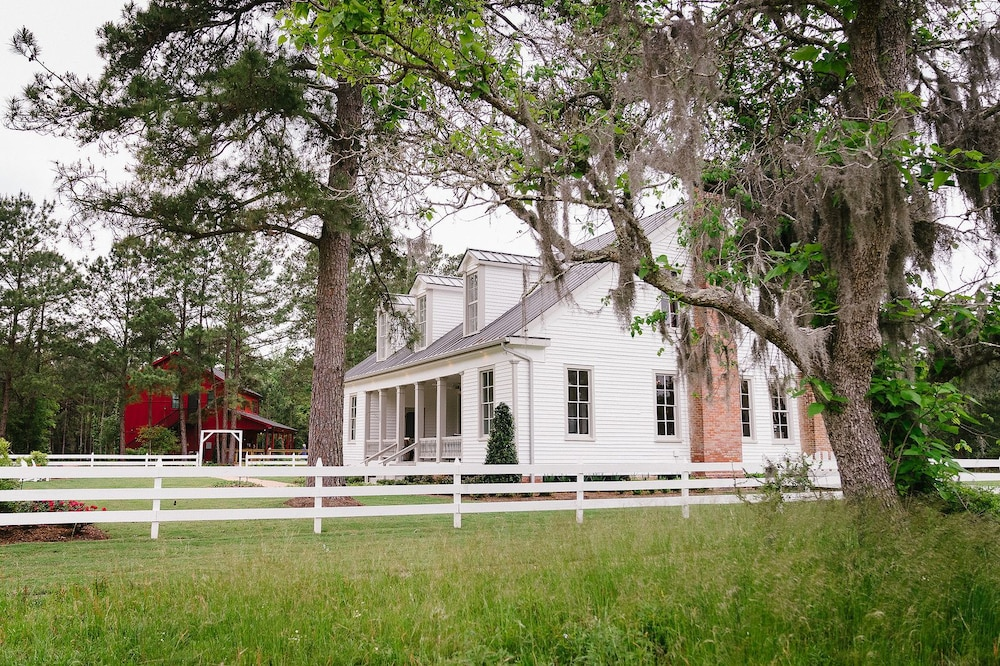 the historic hill house and farm conroe 2018 hotel prices rh expedia co uk house and farm insurance house and farm signs