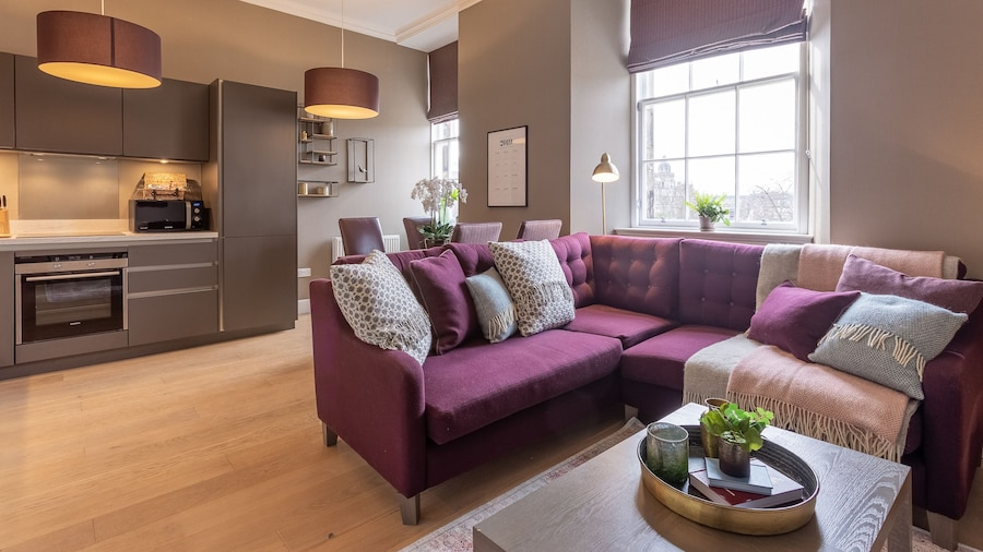 No.1 Apartments – George IV Bridge