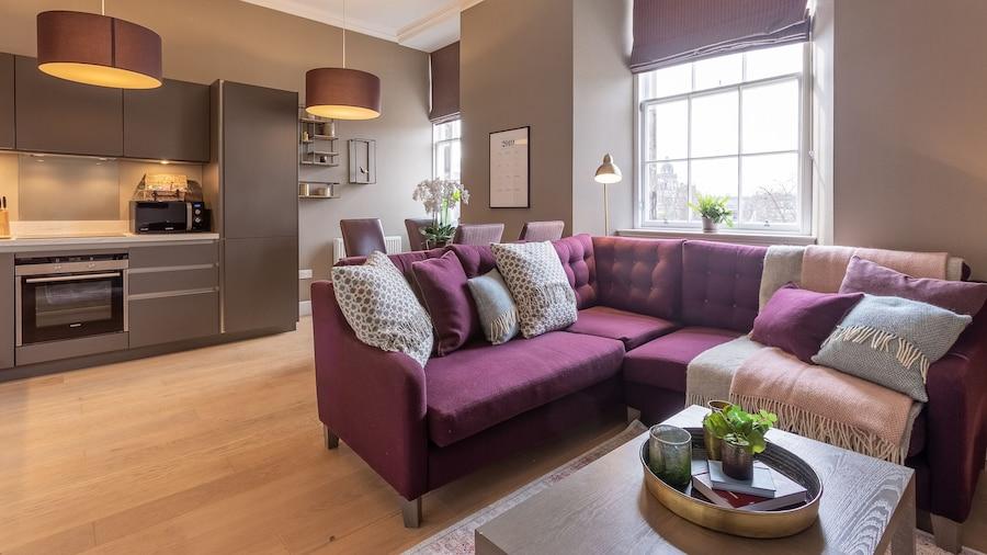 No.1 Apartments – George IV Bridge