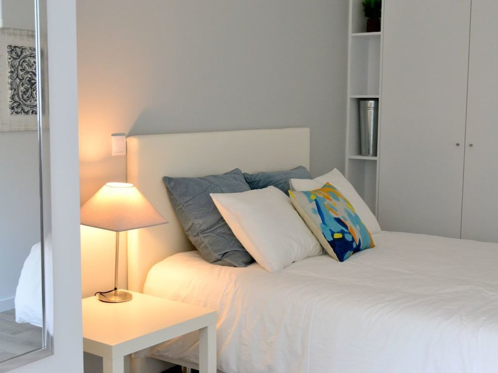 Downtown Porto Spot 48 48 Bedroom Ap 480488 Room Prices Deals Awesome Bedroom Furniture Spot