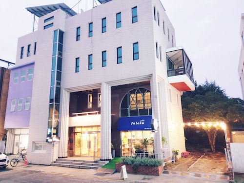 Gallery Family Hotel