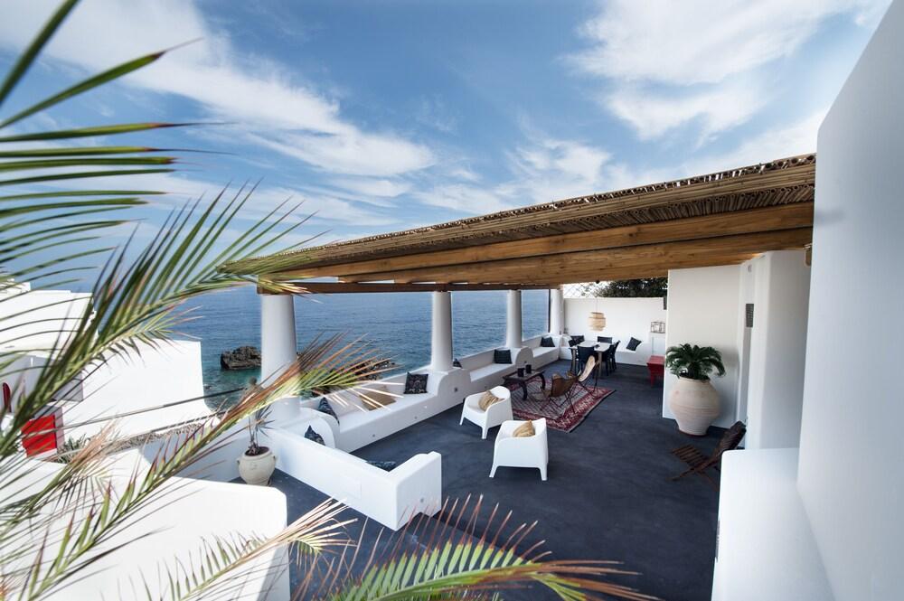 Huis 34 december terras met uitzicht op de zee: faciliteiten en