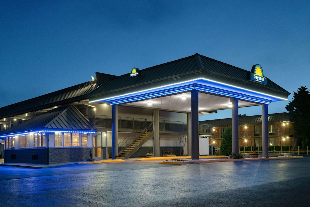 Exterior, Days Inn by Wyndham Knoxville North