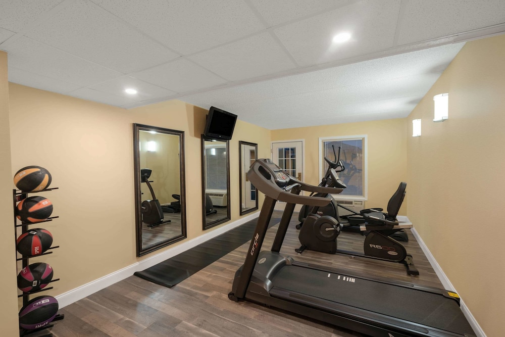 Fitness Facility, Days Inn by Wyndham Knoxville North