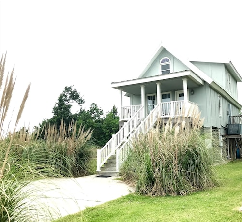 Peaceful Gulf Getaway - Close to Old Town Bay St Louis