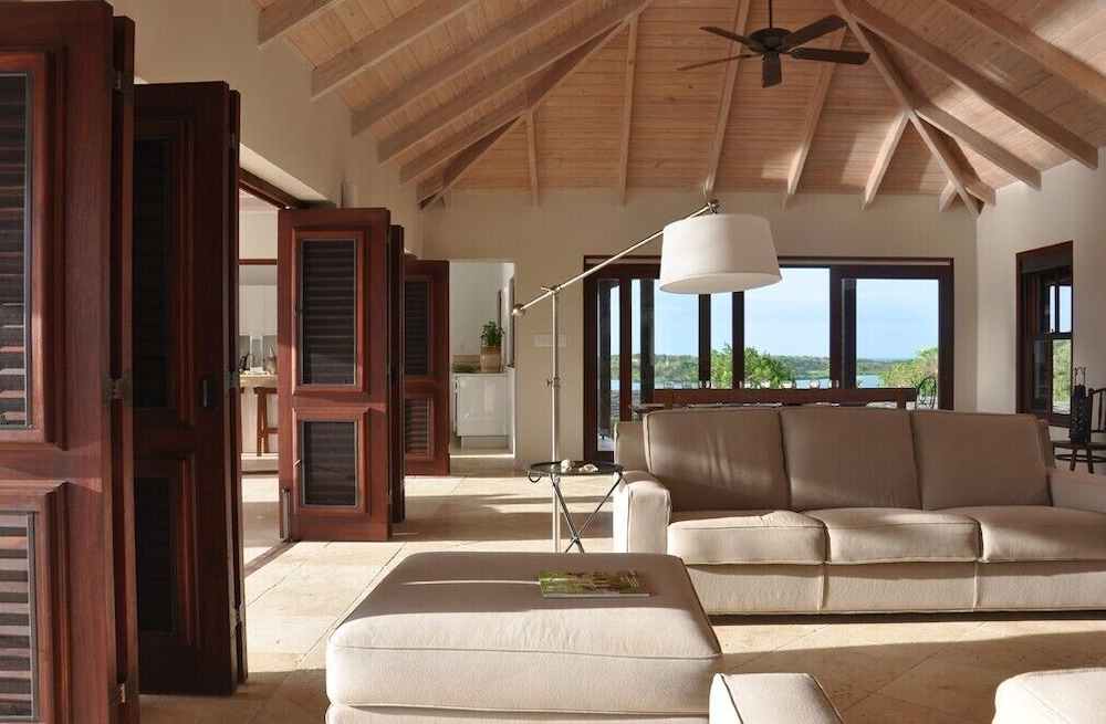Living Room, The Long House - Luxurious Ocean Front Villa With Stunning Views