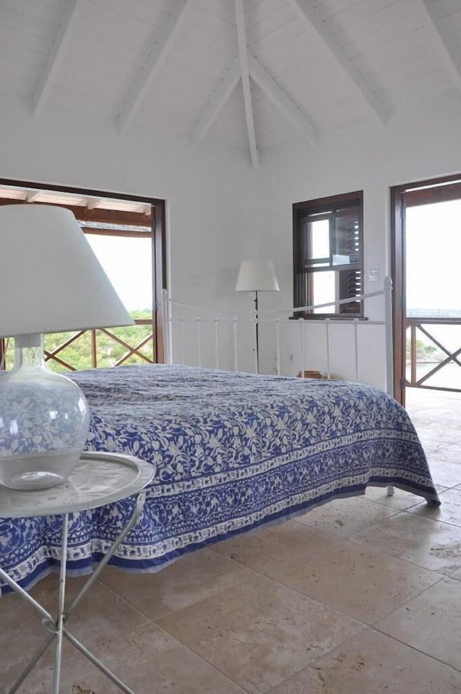 Room, The Long House - Luxurious Ocean Front Villa With Stunning Views