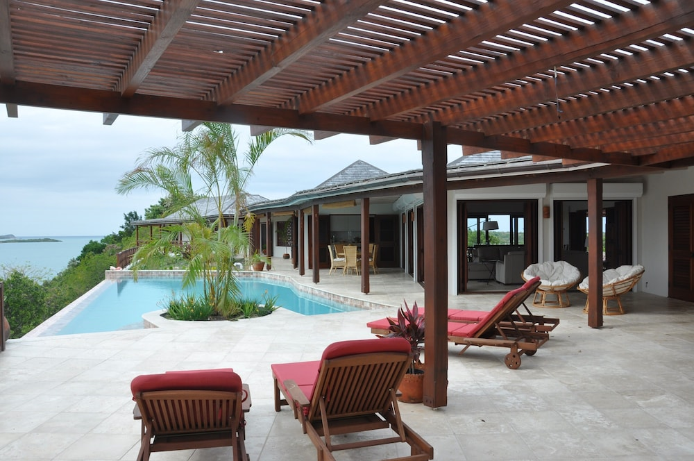 Pool, The Long House - Luxurious Ocean Front Villa With Stunning Views