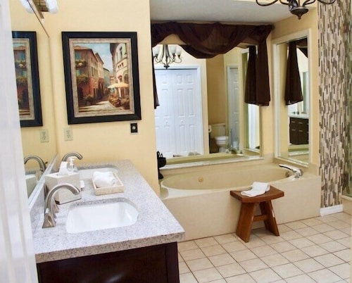Bathroom, Lake House