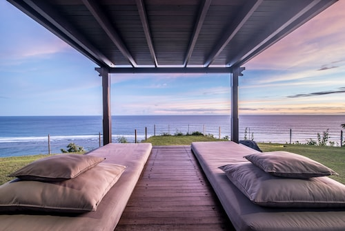 Pandawa Beach Cliff Edge Absolute Ocean View Villa Bali 5 Star Luxury 3 Bedrooms