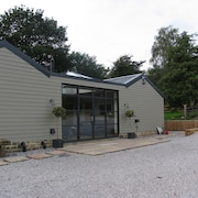 Luxury Holiday Home With Hot Tub, Pet & Family Friendly in the Yorkshire Dales