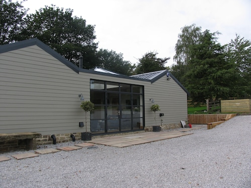 Kirk Stables Holiday Home , Hot Tub , Pet Friendly, Yorkshire Dales
