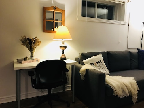 A Quiet and Cozy get Away in Montreal Area