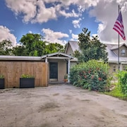 Naples Home - 10 Minutes to Beach & Downtown