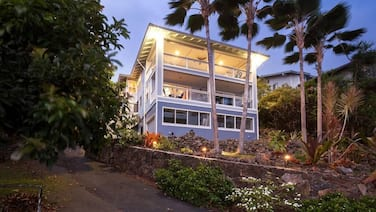 Amazing Ocean View, Spacious 5 Bedroom, Sleeps 12 w/ Option For 12 Passenger Van