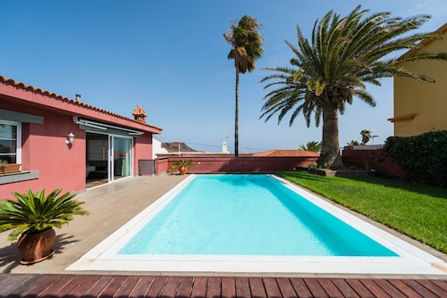 Luxury Villa Heated Private Pool GC17