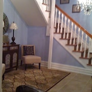 Close to Downtown, 4 Br/3 BA Vacation Home, Sleeps 11!