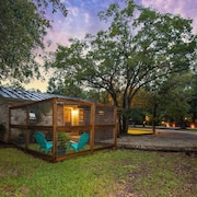 Gruene Country Cottage- Just 1 Mile to Gruene & 1/2 Mile to the Guadalupe River