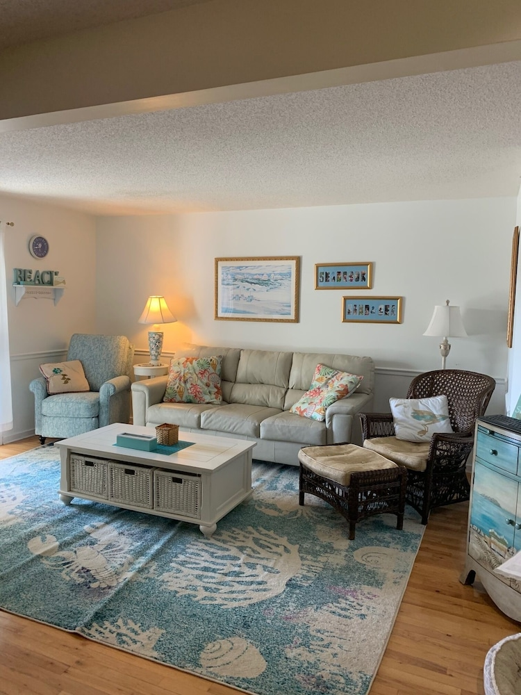 Living Room, A+ Coastal Escape: Beach, Golf & Tennis. Book Early for Best Rates and Dates!