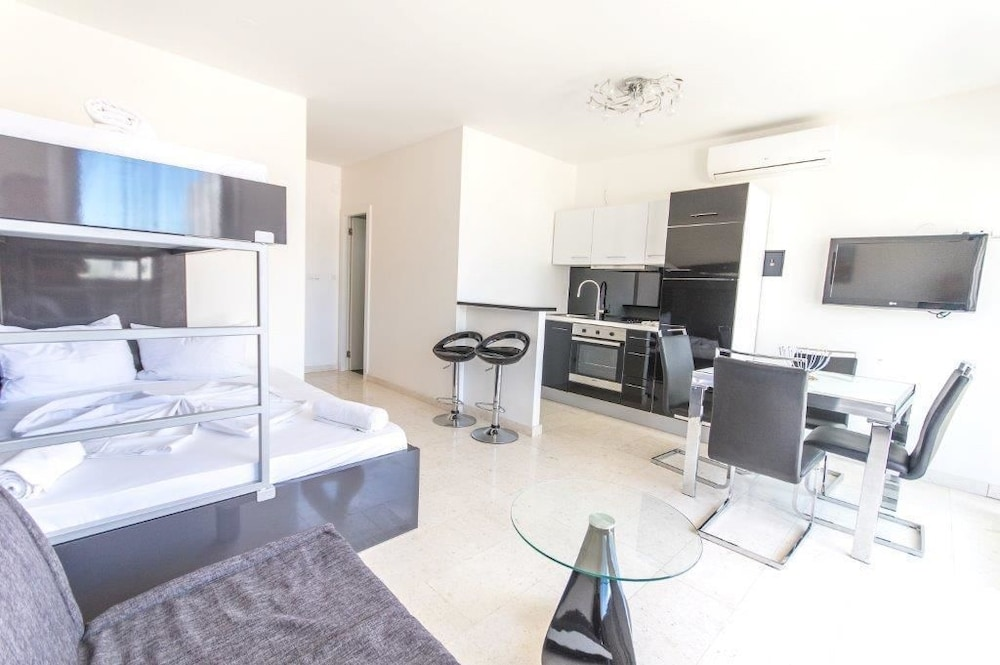 Etagenbett Antonio : Villa antonio novalja hotelbewertungen expedia