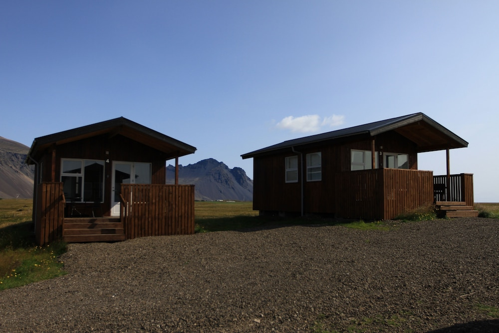 Front of Property, Aurora Cabins