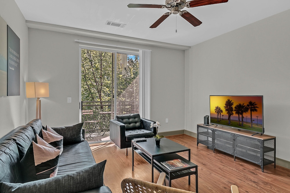 Living Area, NUOVO - Downtown / Midtown Atlanta