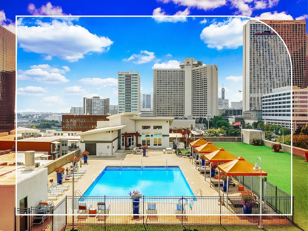Outdoor Pool, NUOVO - Downtown / Midtown Atlanta
