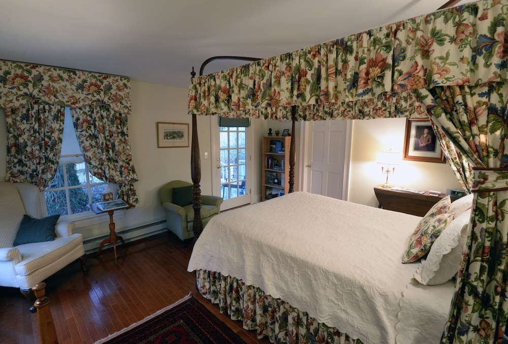 Room, Inn at Monticello