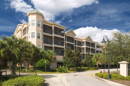 Great Place to stay 10 Minutes to Disney - Free Wifi - Elevator - Firework Views near Winter Garden