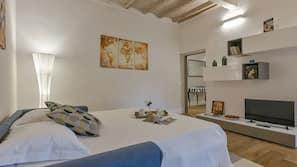 1 bedroom, individually furnished, iron/ironing board, free WiFi