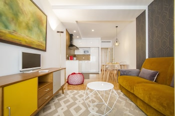 UD Apartments - Atocha Stylish with Pool