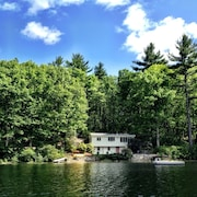 Windham Waterfront, Charming Cottage on Private Road, Near to Boston & Beaches