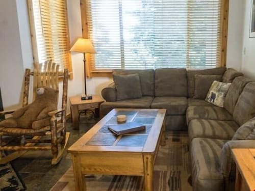 Rustic Condo Only 5 Minutes Northstar Village All Resort Fees Included!