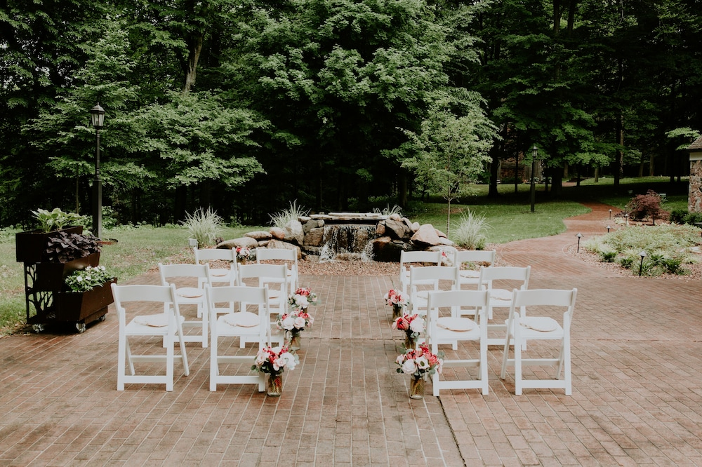 Outdoor Wedding Area, The River House at The Morris Estate