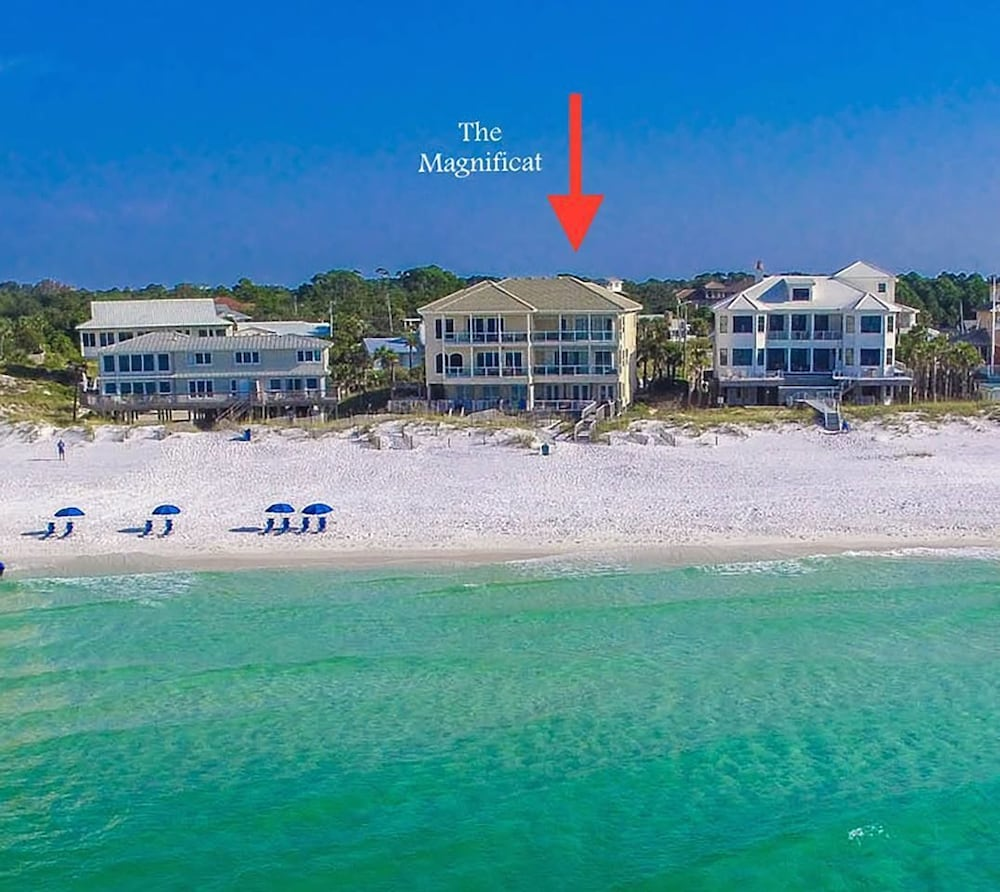 The Magnificat Beach Front Luxury Destin Fl Townhouses For Rent In