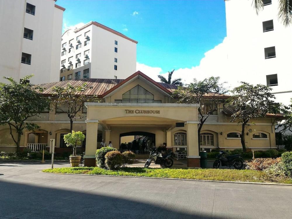 Cambridge Village 1-BR Condo Cainta Pasig Eastwood Apartment
