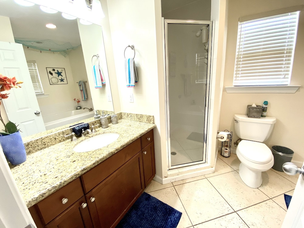 Bathroom, Casa Calypso-new Beautiful Tropical Style House 3 King Beds Pool 2 mi to Beach