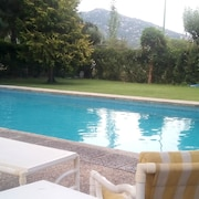 Villa With 6 Bedrooms in Hoyo de Manzanares, With Wonderful Mountain View, Private Pool, Enclosed Garden