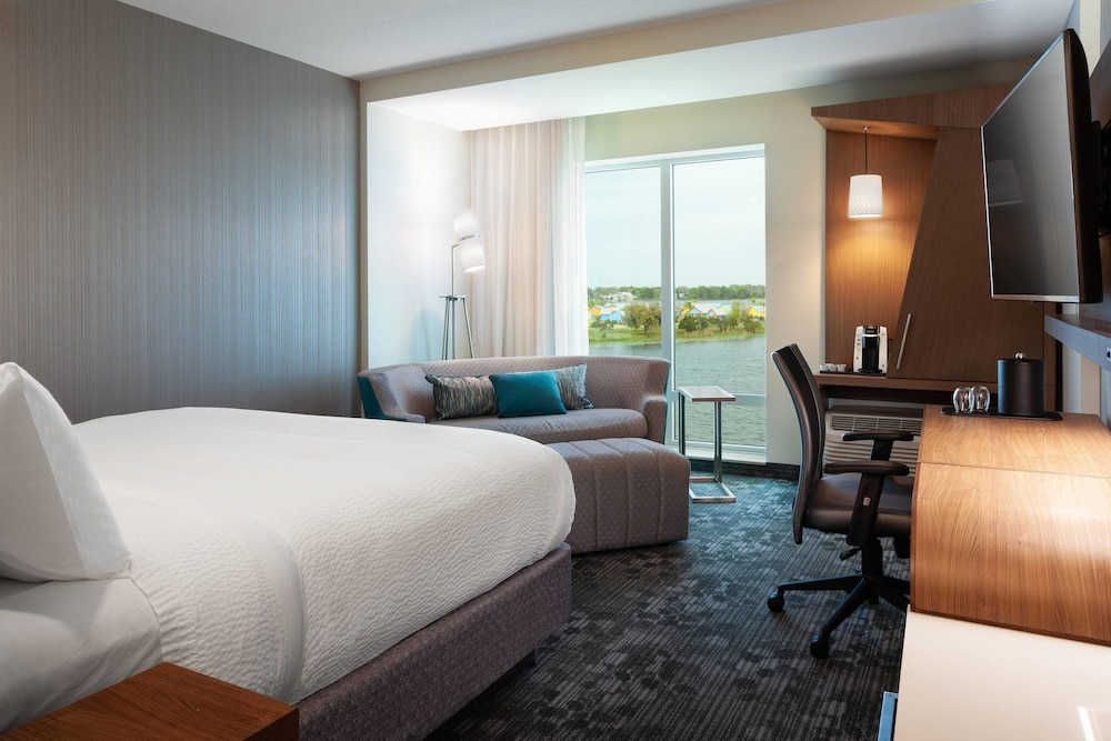 Room, Courtyard by Marriott Winter Haven