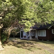 'cabin In The City'. Walking Distance to Cane River & Front Street! Close to NSU