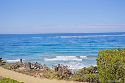 Oceanfront 5-star Corner Location With Panoramic Views