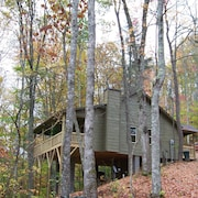 Luxuary Cabin Secluded on 40 Acres of Spectacular Mountain Wilderness
