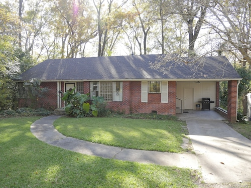 Adorable 2 Bedroom Home Near Trendy Downtown Jackson