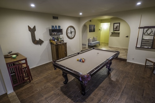 5bdrm Ranch in Scottsdale - Pool, Hot Tub, Pool Table, & Family / Pet Friendly